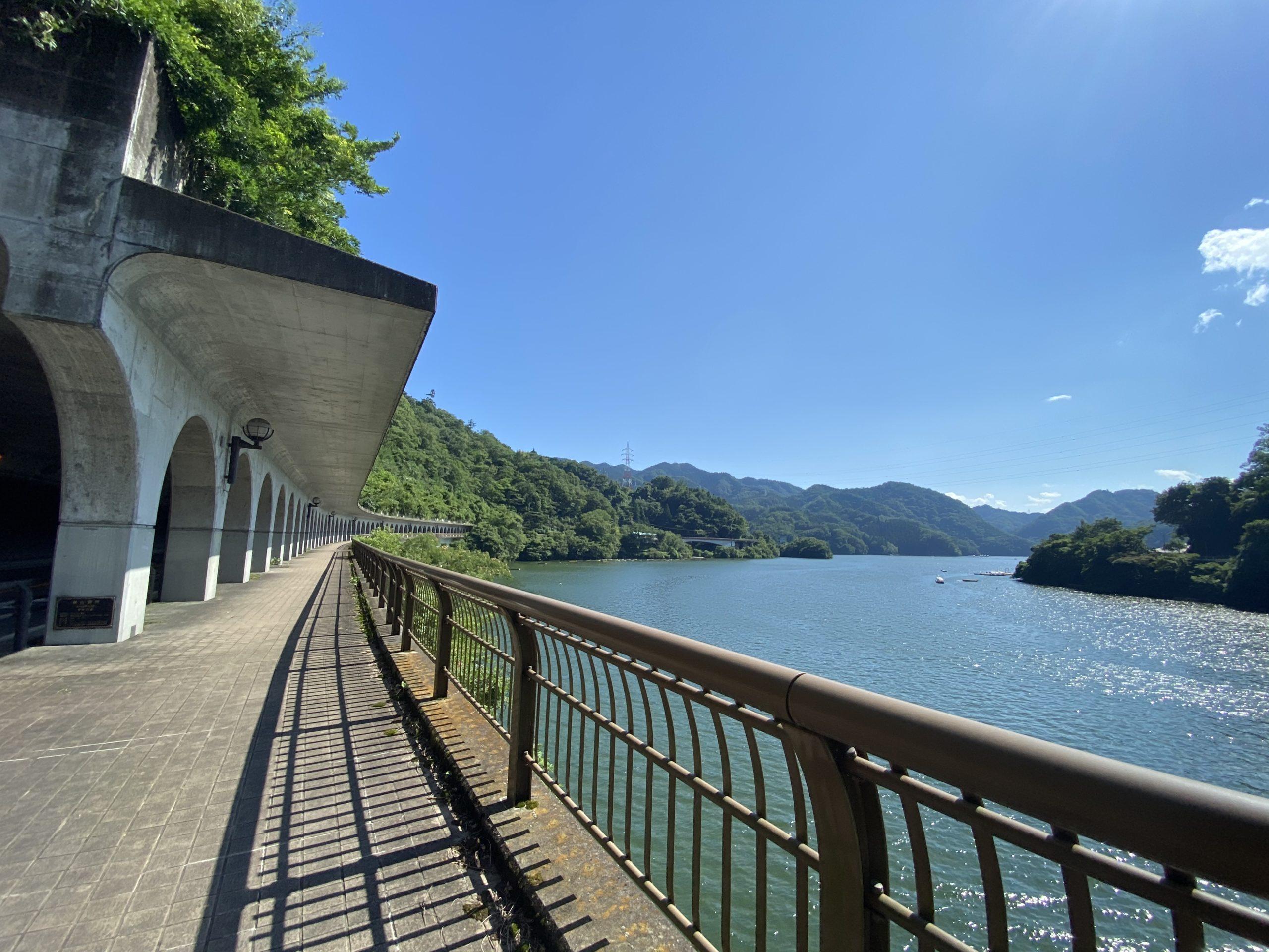 相模湖と洞門の投稿写真